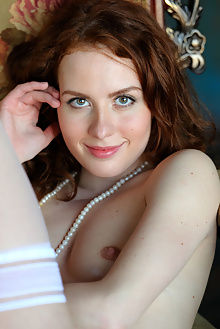 sienne nobera alex sironi indoor redhead blue unshaven hairy ass pussy