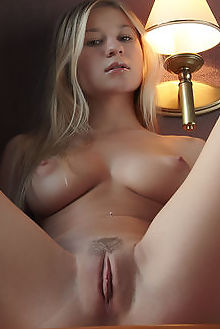 felicity dineca flora indoor blonde green shaved pussy ass boobies