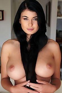 lucy li tondo erro indoor brunette green boobies busty hairy unshaven pussy ass hips custom