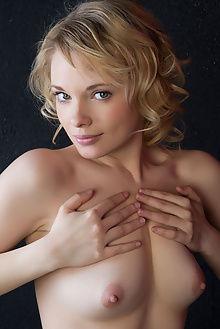 feeona stiene rylsky indoor blonde blue pussy unshaven