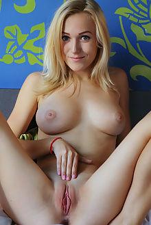 aislin bolete arkisi indoor blonde blue boobies ass pussy