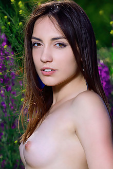 Presenting Gabriele by Matiss outdoor woods sunny brunette hazel eyes shaved pussy ass