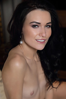 Elouisa in Cozeci by Leonardo indoor brunette black hair brown eyes small tits shaved pussy labia latest