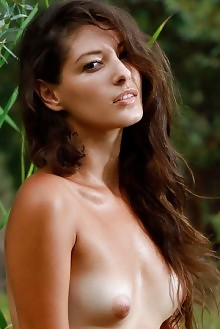 Presenting Rosella by Matiss outdoor brunette brown eyes puffy nipples boobies woods shaved pussy ass latest custom