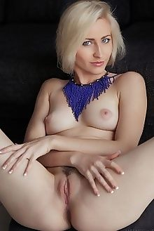 janelle b panory arkisi indoor blonde blue boobies shaved ass pussy tight custom