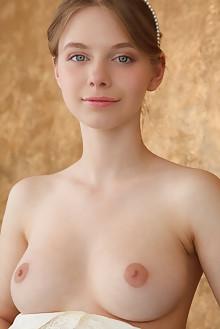 Siya in Elegansiya by Rylsky indoor brunette blue eyes boobies trimmed pussy feet