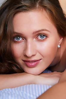 Presenting Stacy Cruz by Erro indoor brunette blue eyes boobies shaved pussy custom