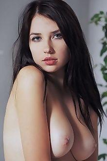niermira antely arkisi indoor brunette blue boobies ass puss...