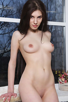 quillian pencerie rylsky alice e indoor brunette brown boobies pussy