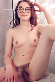 una piccola bidara alex lynn indoor brunette brown unshaven hairy tight pussy custom