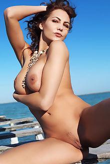 gabriela exapsi erro outdoor brunette pussy boobies