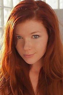 mia sollis rocell koenart outdoor redhead green freckles boo...
