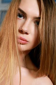 Kelly Wilde in Feeling Frisky by Matiss blonde blue eyes boobies shaved custom
