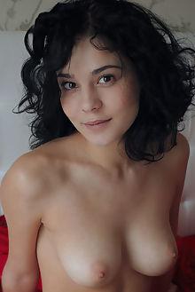 callista b vamono arkisi indoor brunette brown boobies shaved ass pussy hips