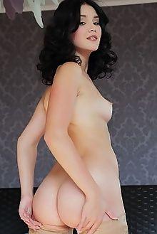 malena tereni arkisi indoor brunette brown pussy ass boobies custom