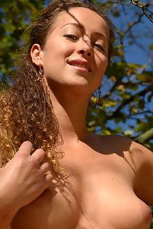 sarka blowout charles hollander outdoor brunette green boobies shaved