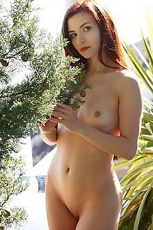 berenice tholes rylsky outdoor redhead blue beach sand shaved pussy custom