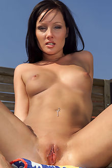 lara accessible outdoor brunette blue pool wet pinky pussy shaved toys