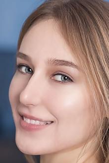 Presenting Bobbie by Xanthus indoor brunette blue eyes boobi...