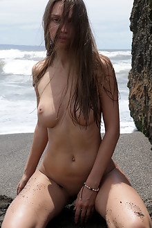 Elin in Babe Watch by Natasha Schon outdoor sunny beach brunette brown eyes boobies shaved