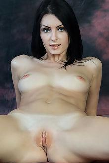 rafaella flackar rylsky indoor brunette hazel ass pussy boobies