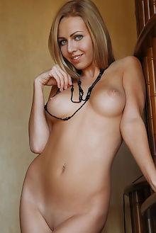 lija netica arkisi indoor blonde blue boobies pussy