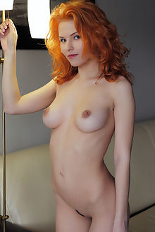 zarina unatra arkisi indoor redhead pussy