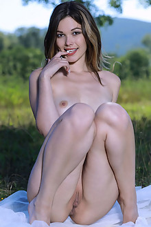 Presenting Stefania Beatty by Matiss outdoor sunny woods brunette brown eyes boobies shaved ass custom