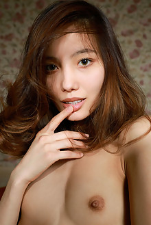 Presenting Anna Aki by Matiss indoor brunette brown shaved latest
