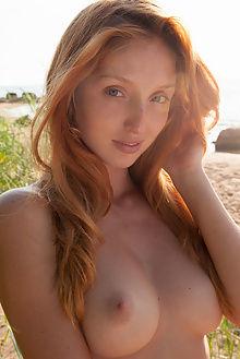 michelle h nehrma koenart outdoor redhead blue freckles boobies pussy