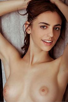 mercedes kivet albert varin indoor brunette green boobies pussy