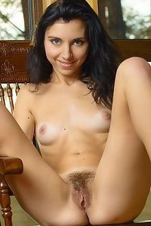 niketta haven max asolo indoor brunette unshaven pussy