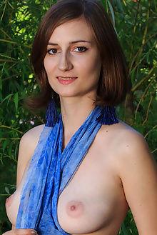 melody kuzfilca rylsky outdoor brunette unshaven pussy
