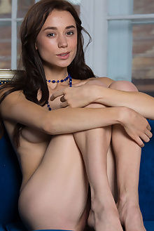 valerie new model presenting antonio clemens indoor brunette boobies pussy