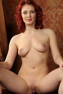 rachel fox leniova rylsky indoor redhead green ass pussy shaved