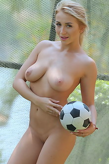 Presenting Isabella D by Dave Lee new model outdoor blonde green eyes boobies shaved pussy ass soccer latest