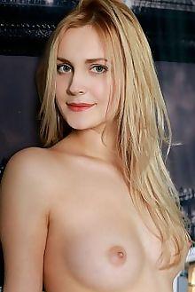 tais yenare matiss indoor blonde green boobies shaved pussy custom