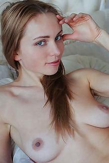 lenayna lilac arkisi indoor blonde pussy