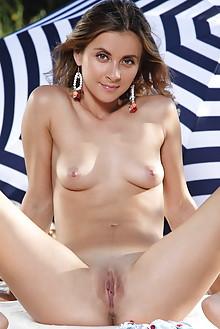 Juck in Phenn by Leonardo outdoor brunette hazel eyes woods sunny shaved pussy ass latest