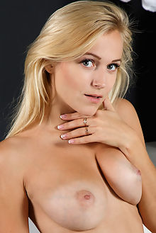 aislin kizee rylsky indoor blonde blue eyes boobies tanned s...