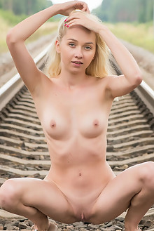 Presenting Bernie by Tora Ness outdoor sunny rail blonde green eyes shaved latest