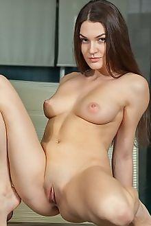 vanda flevua catherine indoor brunette hazel boobies shaved pussy custom