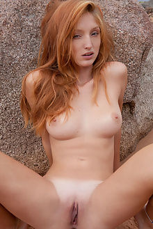 michelle h fugite koenart outdoor redhead blue boobies pussy...
