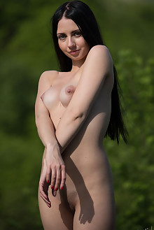 Veronica Snezna in Panorama View by Marlene outdoor sunny brunette black hair shaved pussy