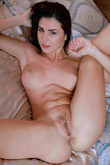 Presenting Alice Kelly by Matiss indoor brunette brown eyes boobies shaved pussy