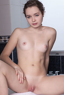 presenting lu new model albert varin indoor brunette ass pussy