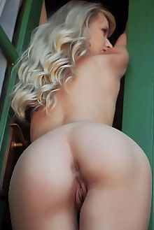 nika n thertis arkisi indoor blonde blue shaved pussy ass hips custom