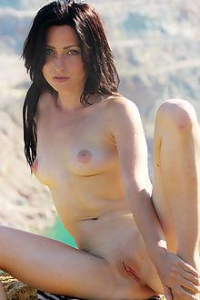 janelle b picturesque angela linin outdoor brunette blue pussy fingering