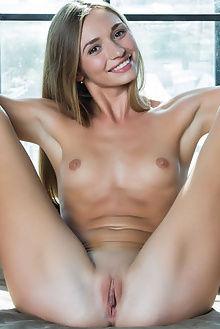 steffi svetanes rylsky indoor blonde pussy ass brown