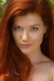 mia sollis fruta otono luca helios outdoor redhead green freckles sunny shaved pussy boobies tight woods custom